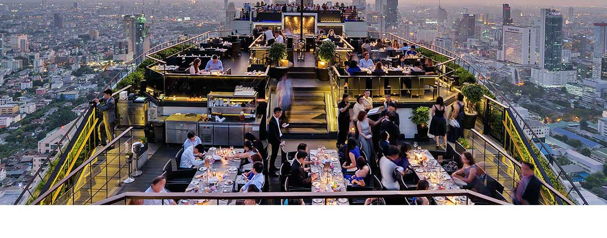 rooftop-moonbar-at-banyan-tree-bangkok-at-sunet-thailand