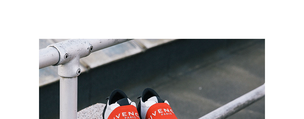 Givenchy Logo Red and black runner trainer