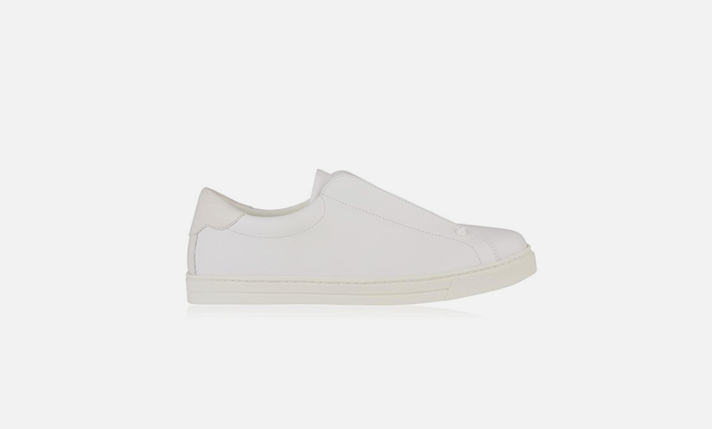 Fendi white leather low top trainers embossed with the double F and no laces