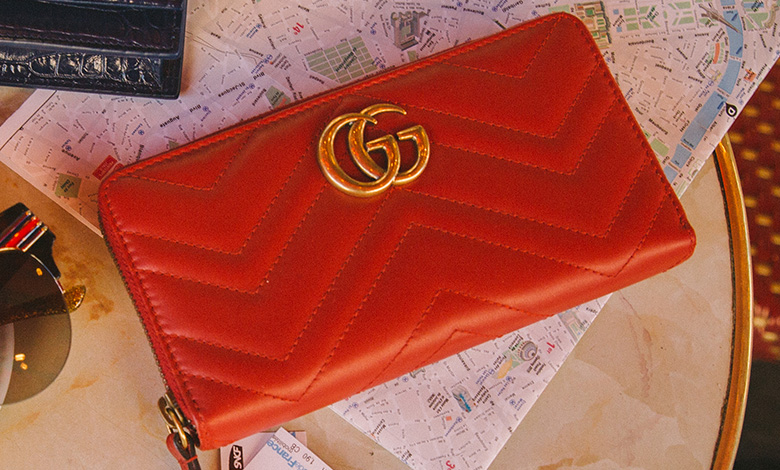 Gucci red leather Marmont zip purse
