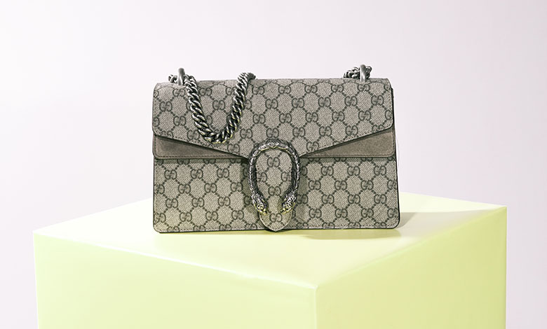 Small Gucci Dionysus bag with taupe GG monogram canvas and metal sstrap and buckle